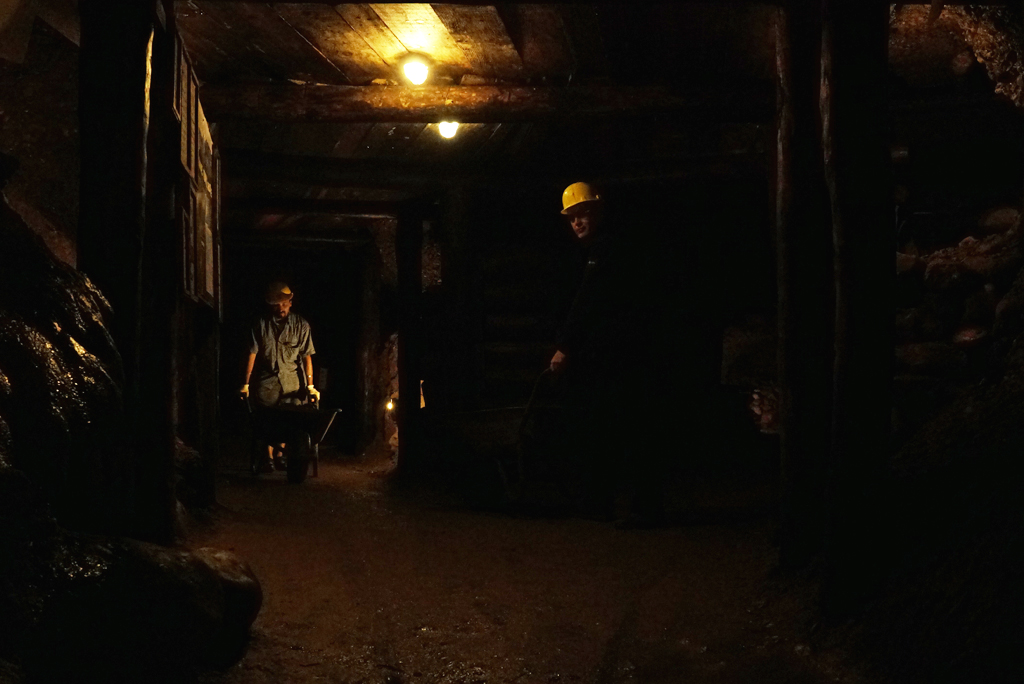 Volunteers working inside the Tunnel Ravne. Sep. 2016.